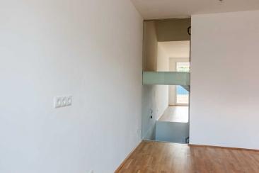 Glaswand im Treppenaufgang