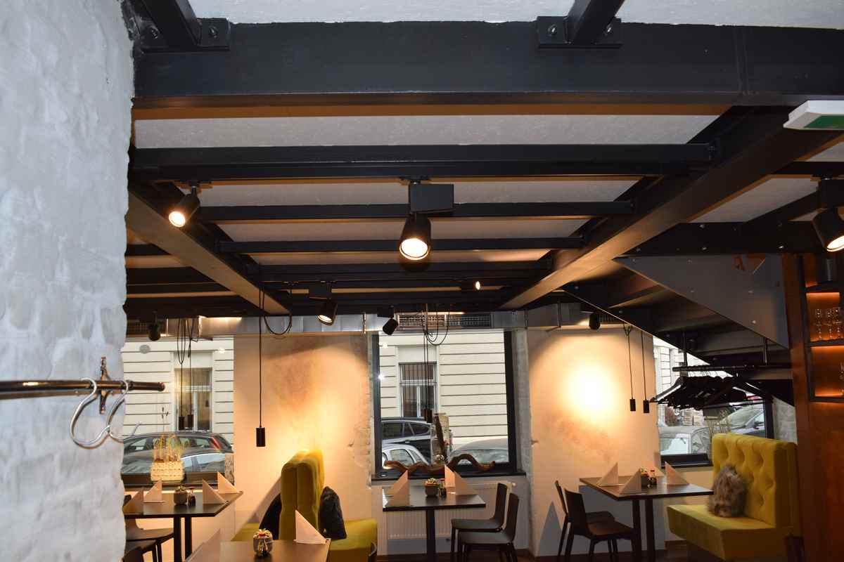 """Stahlpodest für das Restaurant """"albertgasse39 bar + kitch'n"""""""